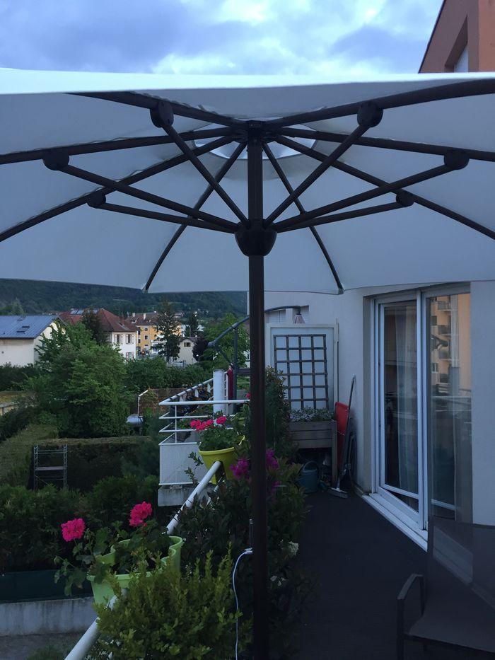 Habiller, protéger et éclairer un balcon devient possible