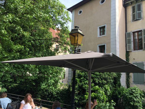 Parasol Selene Le parasol rectangulaire optimisé pour votre balcon